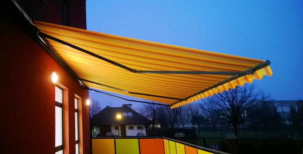 markise windstrke 8 fabulous cdajpg with markise windstrke 8 angerer with markise windstrke 8. Black Bedroom Furniture Sets. Home Design Ideas