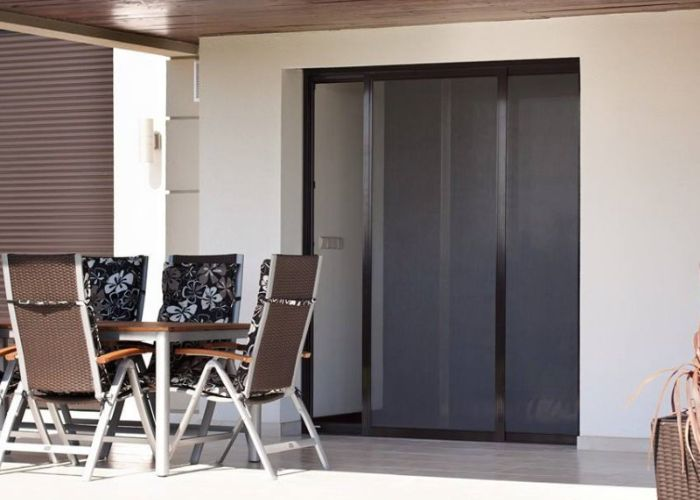 jalousie welt de fenster rollladen markisen plissee alujalousien holzjalousien lamellen. Black Bedroom Furniture Sets. Home Design Ideas